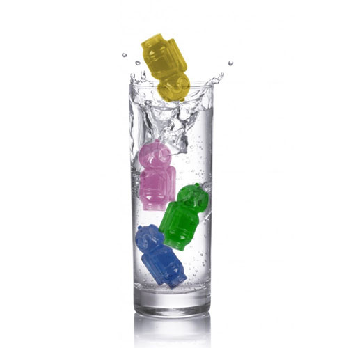 Reusable ice cube divers