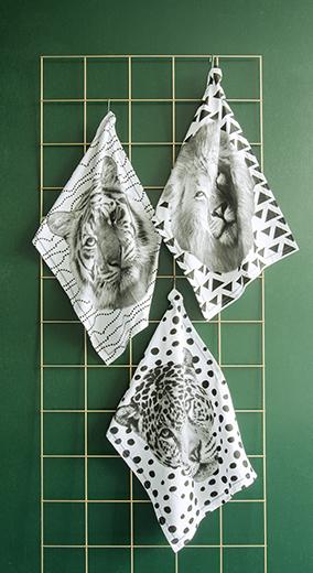 Tea towel tiger face black stitch
