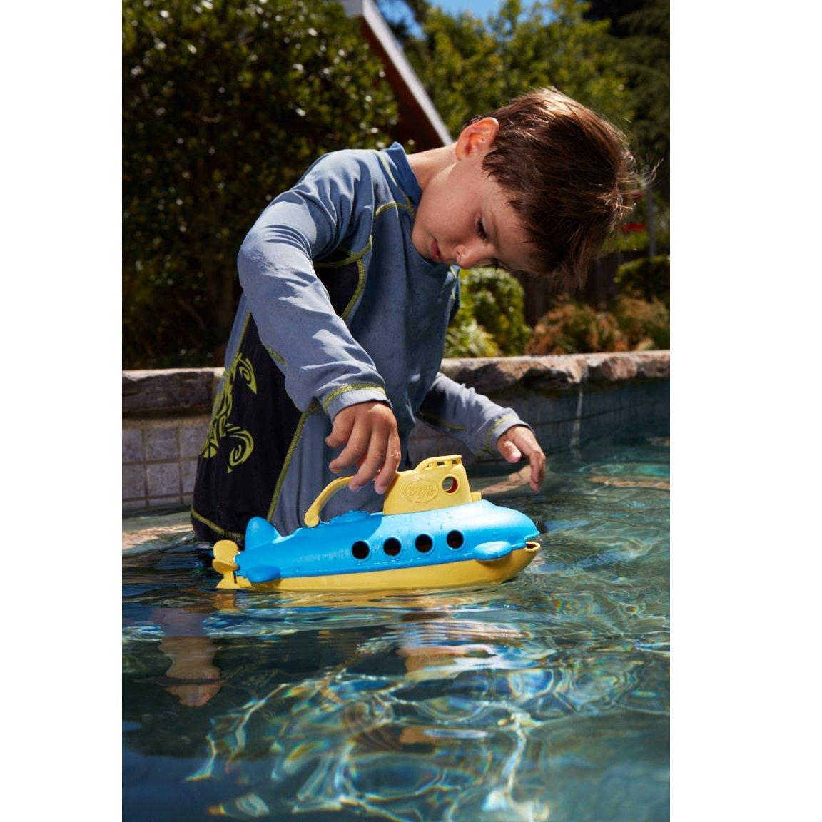 Submarine yellow handle