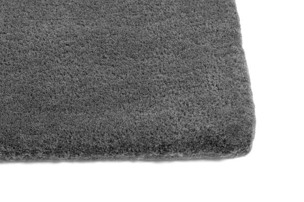 Raw Rug NO2 170 x 240 cm Dark grey