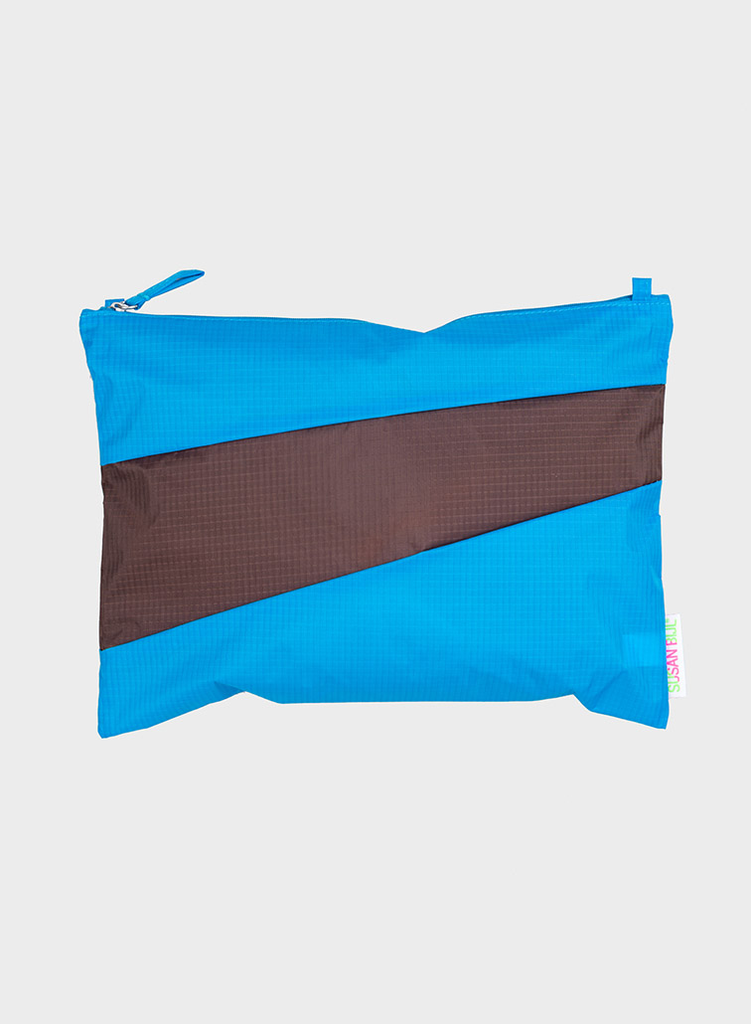 Pouch sky blue & brown M