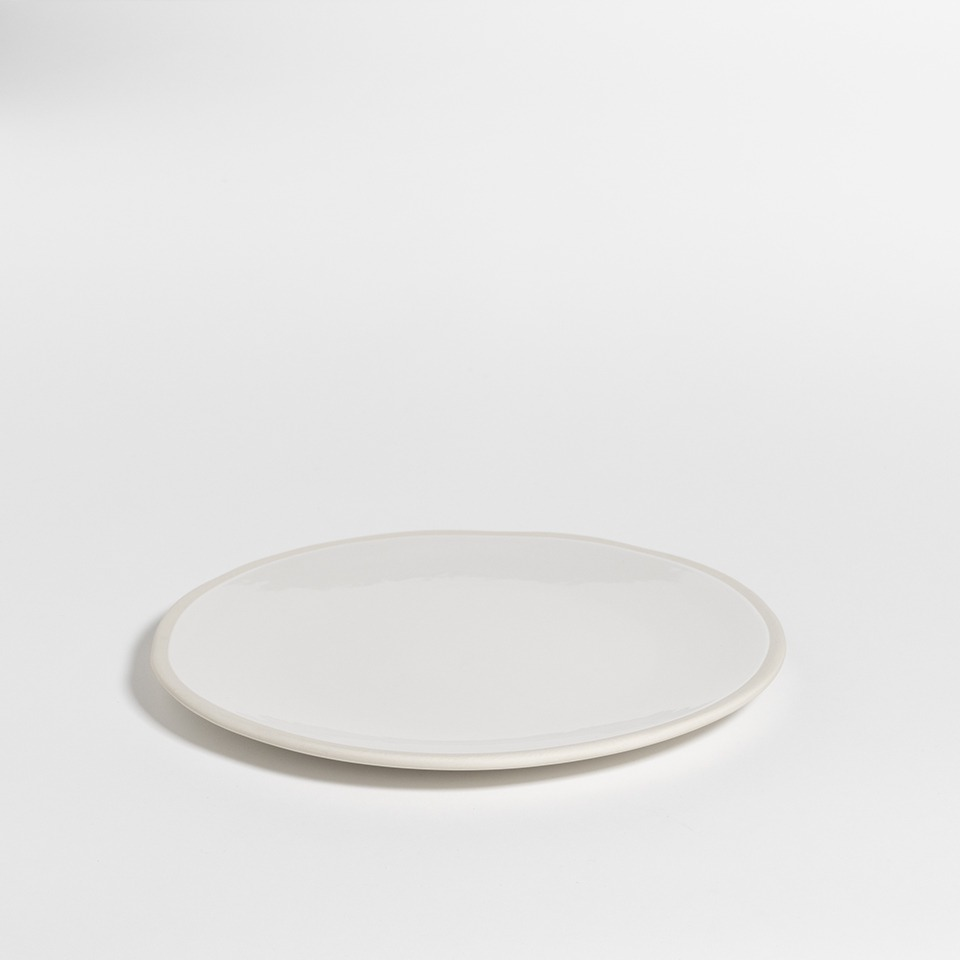 atelier - large plate milk