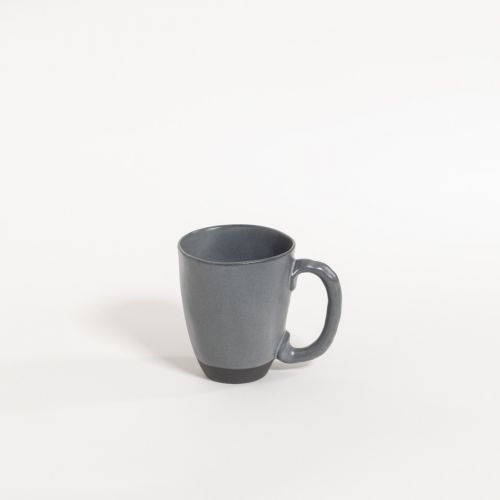 atelier - mug (handle) black truffle