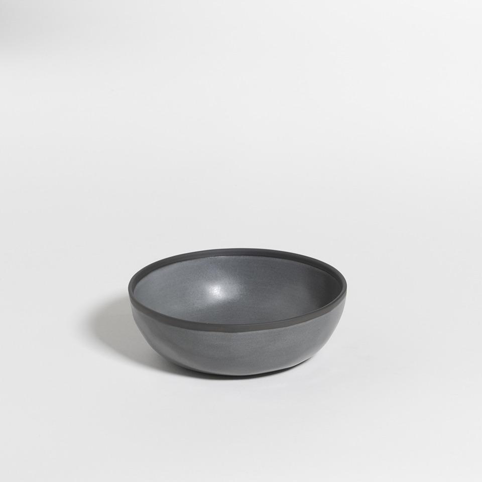 atelier - large bowl black truffle