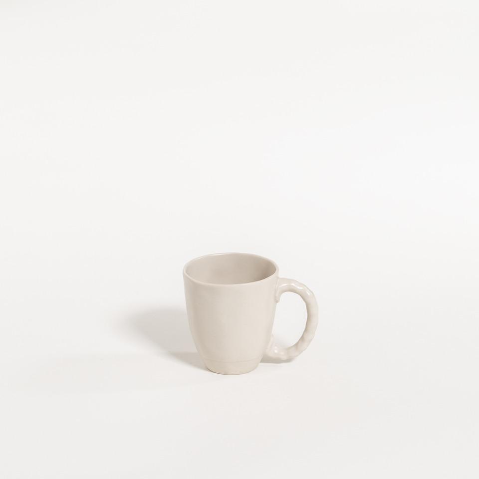 atelier - cup (handle) asparagus