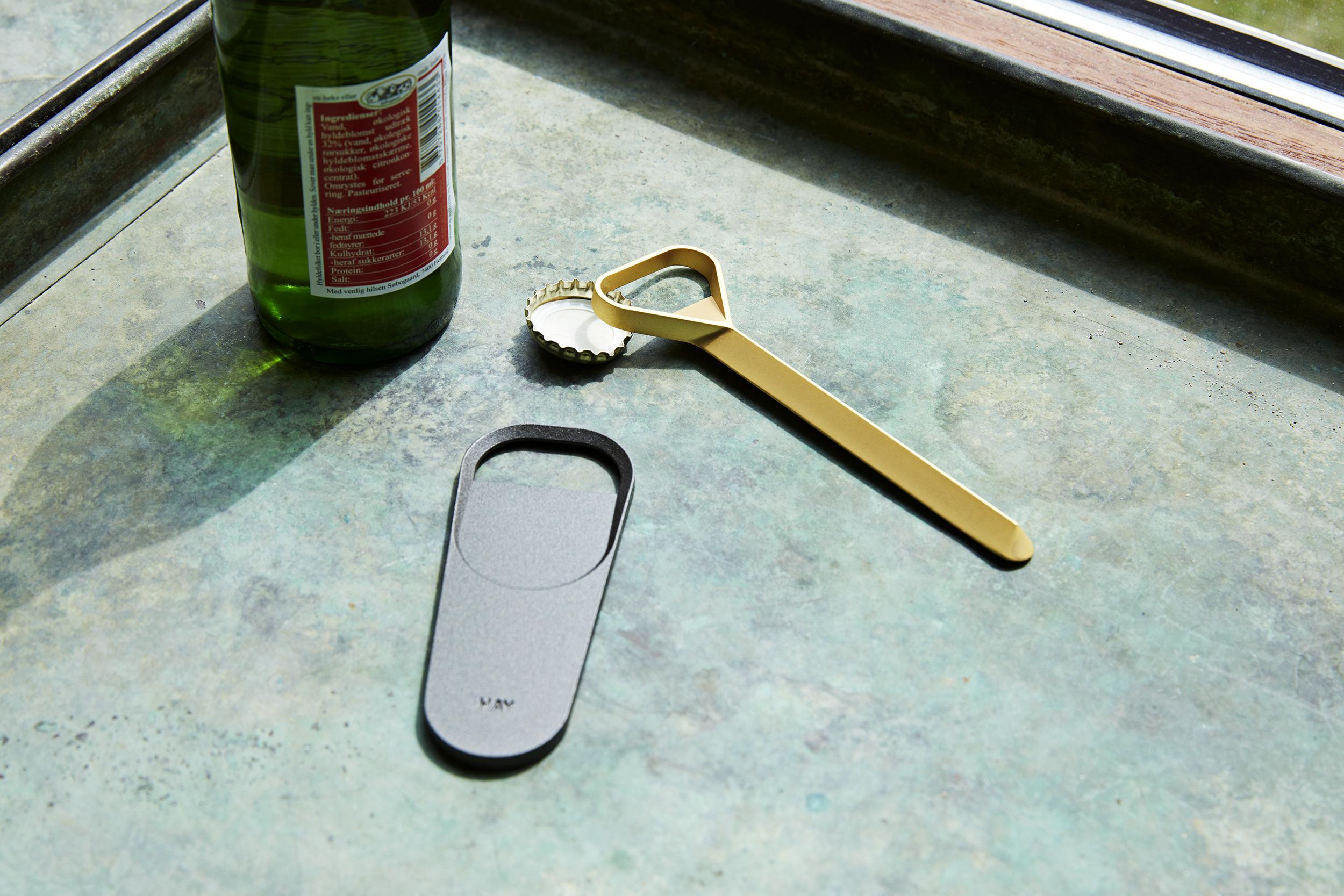 HAY Cap Wide Bottle Opener Anthracite