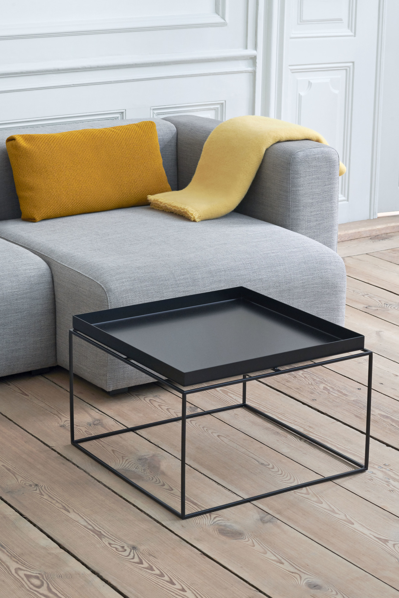Hay Tray Table Side Table M Black